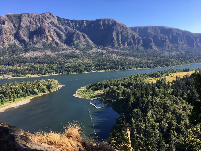 The Columbia Sternwheeler: Accessing the columbia Gorge